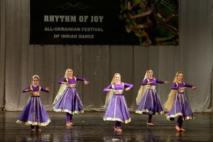 indian-dance-00_05_25_02-still009