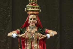 indian-dance-00_10_47_07-still017