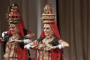 indian-dance-00_11_05_18-still018