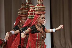 indian-dance-00_11_22_06-still019
