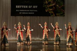 indian-dance-00_11_54_07-still020