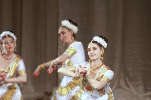 indian-dance-00_15_10_17-still026