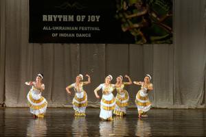 indian-dance-00_15_30_15-still028