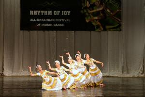 indian-dance-00_19_08_19-still033
