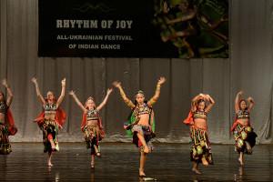 indian-dance-00_20_03_11-still034