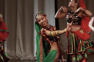 indian-dance-00_21_37_03-still036