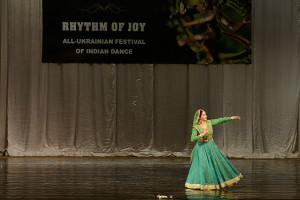 indian-dance-00_23_32_16-still038