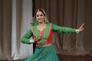 indian-dance-00_24_09_07-still039