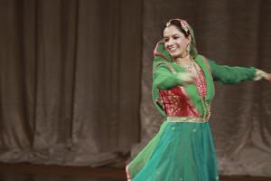 indian-dance-00_24_29_09-still041