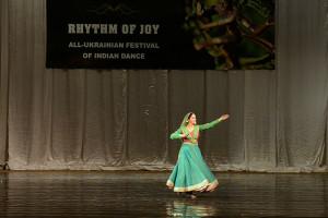 indian-dance-00_24_45_20-still043