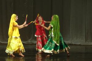 indian-dance-00_35_40_17-still051