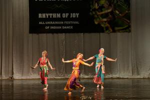 indian-dance-00_40_53_02-still061