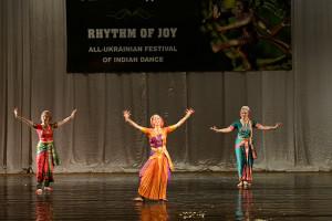 indian-dance-00_41_47_01-still067