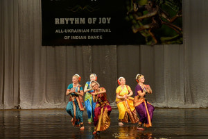 indian-dance-00_44_13_05-still073