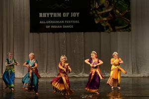 indian-dance-00_44_37_04-still074