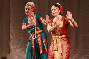 indian-dance-00_45_35_11-still075