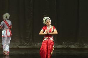 indian-dance-01_03_37_12-still097