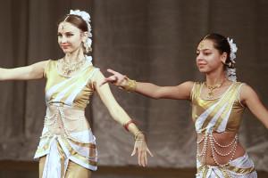indian-dance-01_16_46_03-still112