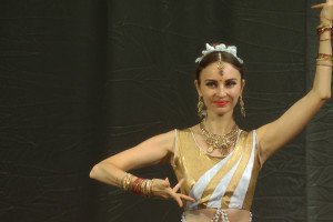 indian-dance-01_17_33_16-still115