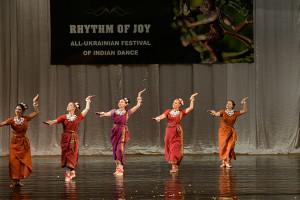indian-dance-01_22_44_17-still123