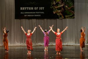 indian-dance-01_24_07_15-still126