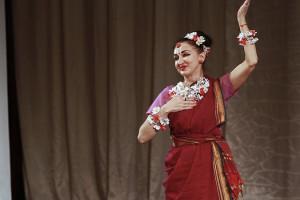 indian-dance-01_25_50_18-still129