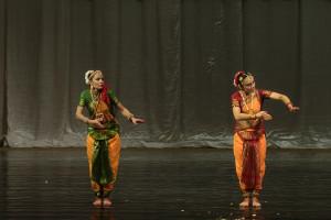 indian-dance-01_33_12_00-still140