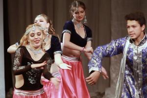 indian-dance-01_35_17_11-still144