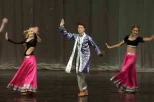 indian-dance-01_36_25_15-still146