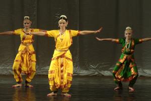 indian-dance-01_41_23_13-still155