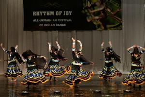 indian-dance-01_49_54_13-still166