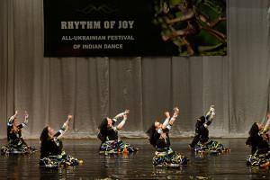 indian-dance-01_53_13_12-still171