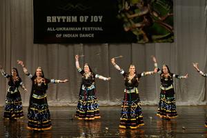 indian-dance-01_55_49_16-still178
