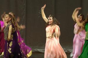 indian-dance-01_58_50_18-still182