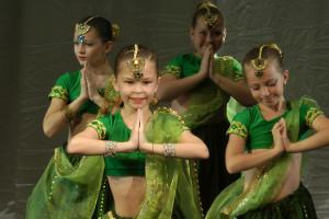 indian-dance-02_00_43_03-still186